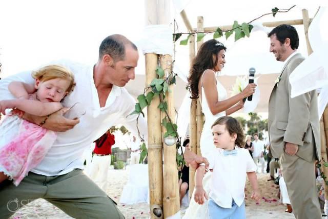 不要带宝宝去参加婚礼了图片
