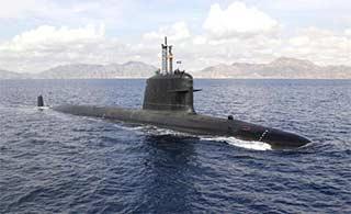 印度12年造一潜艇终于服役