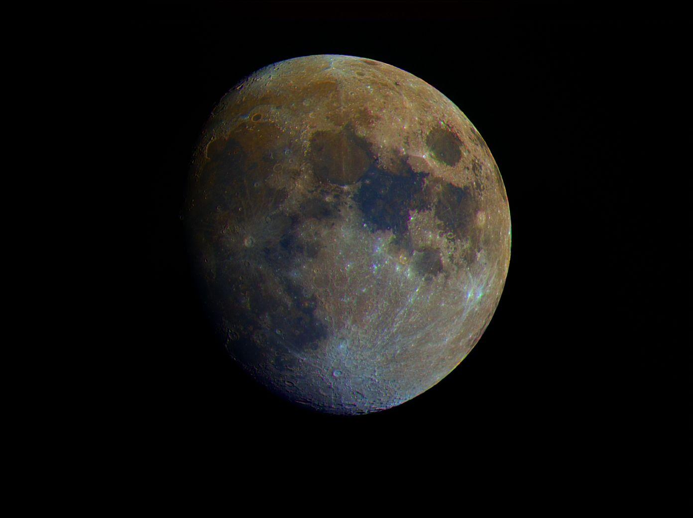 科学家预测:至2040年或会有100人入住月球