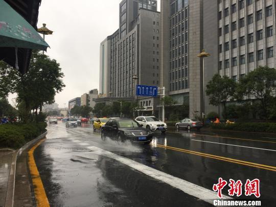 江苏发布暴雨橙色预警 多地已现50毫米以上强降水