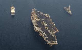 美航母和法军舰阿拉伯湾耀武扬威