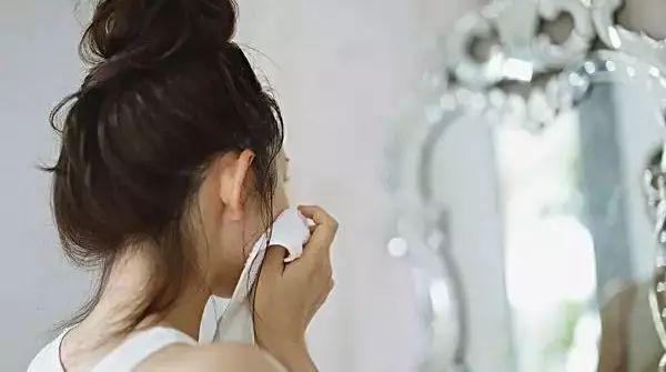 """脸皮""""厚""""点更健康!一个化妆品商家绝不告诉你的秘密"""