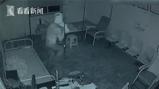 奇葩窃贼为躲避监控 用卫生纸把自己缠成木乃伊