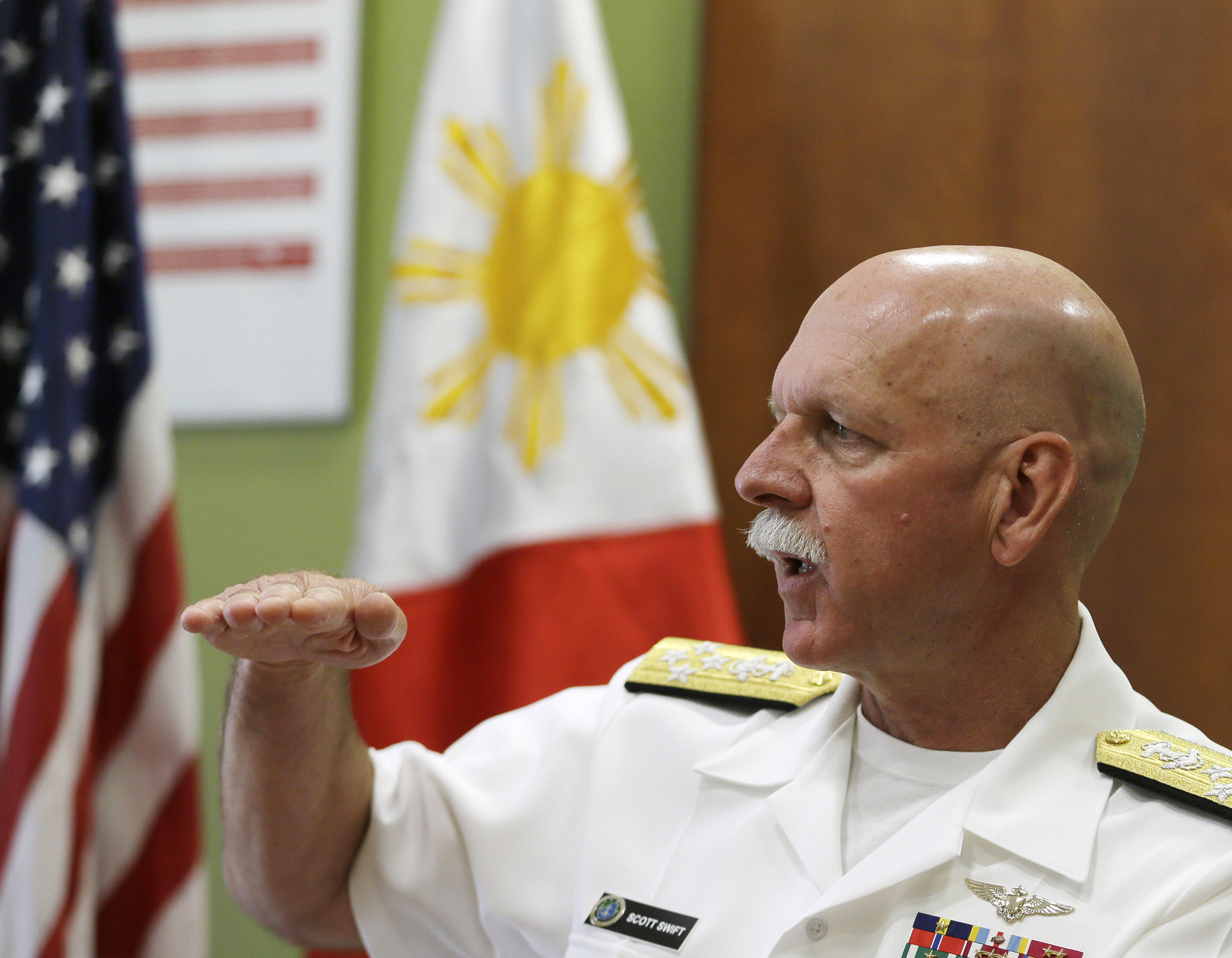 美太平洋舰队司令黯然退役 或与美军舰事故有关