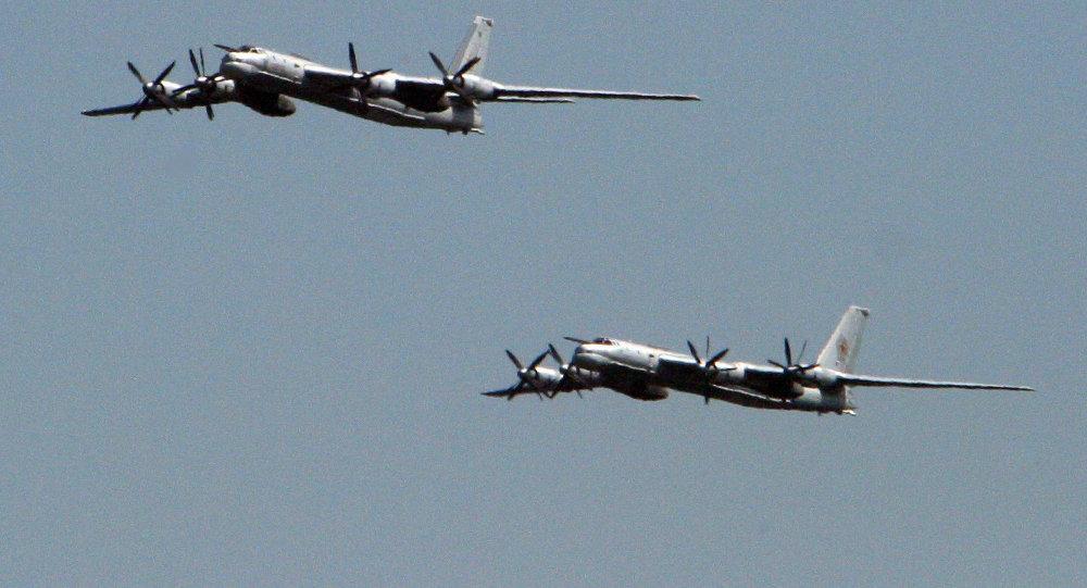 俄战略轰炸机向叙境内极端组织目标发射导弹