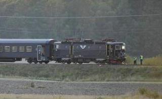 瑞典火车与坦克相撞4人受伤