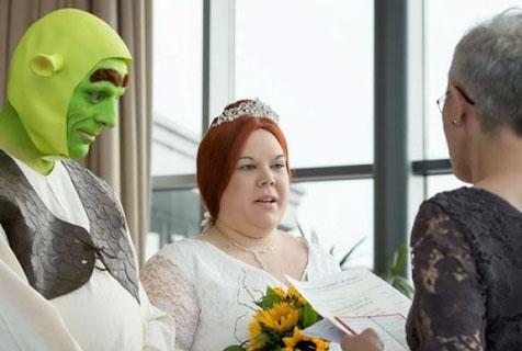 这样的婚礼很疯狂