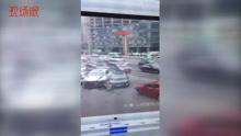 长沙一公交车失控,致8车连环追尾!
