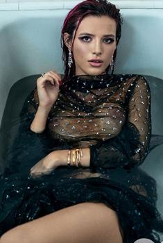 美国女星贝拉·索恩登GQ