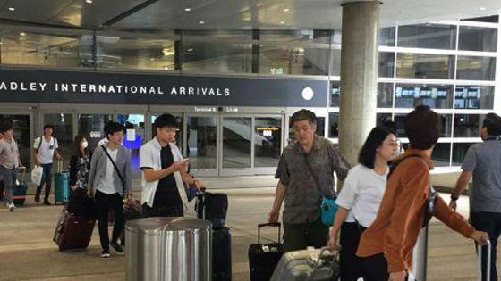 美媒:告诫中国游客 对美海关人员千万别撒谎