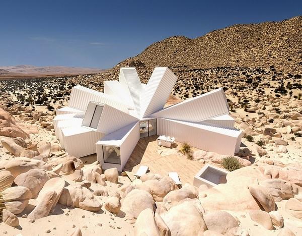 英建筑师设计创意沙漠住宅 构造似外星飞船