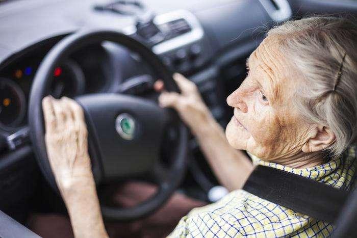 日本超1/4肇事司机是老年人 或成公路安全隐患