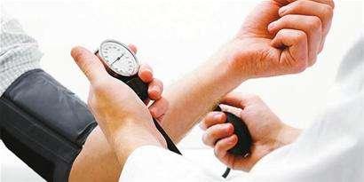 全国高血压日 专家提醒知晓您的血压才能早达标