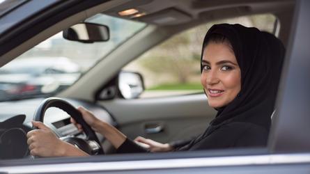 沙特阿拉伯女性获权开车 福特/大众欲抓住商机