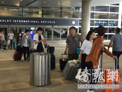 美媒:告诫中国游客 对美国海关人员一定要实话实说