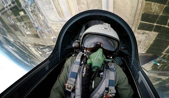 中巴联训:解放军歼11B以1敌2击败巴铁枭龙战机