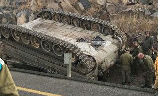 以色列战车开到了阴沟里
