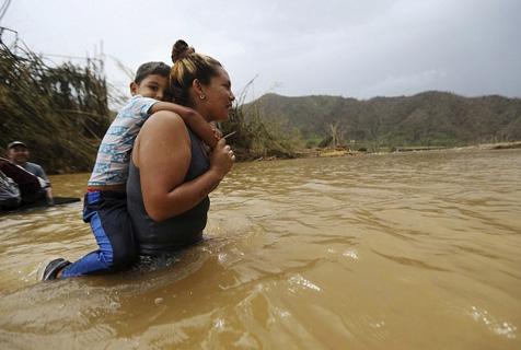 """飓风""""玛丽亚""""重创波多黎各 生活困难"""