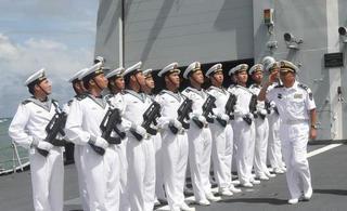 中国海军编队抵达柬埔寨访问