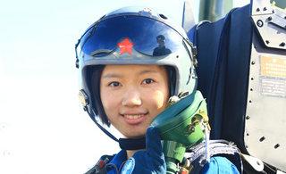 空军第十批女飞行学员实现单飞