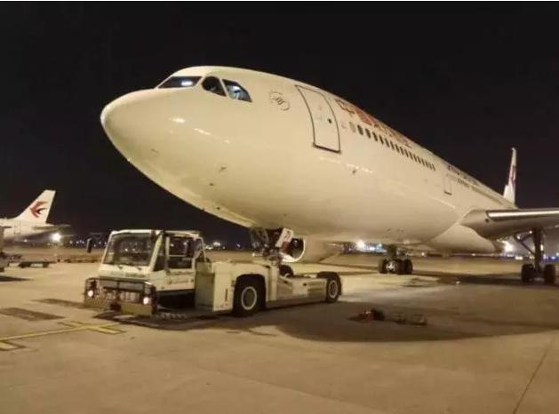 祖国不会忘记:包机飞越19国 只为接你们回家!