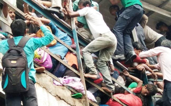 孟买因踩踏事件拒绝建高铁 印高官:不是给平民用