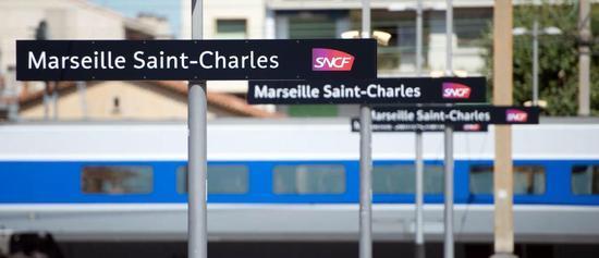 法国马赛一男子在车站持刀袭击致2死多伤 已被击毙