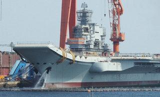国产航母迎国庆节主锚排水测试