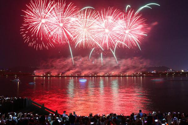 这是国庆首日的上海