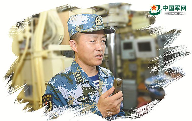 我军常规潜艇双弹齐射:成功命中遥控靶船