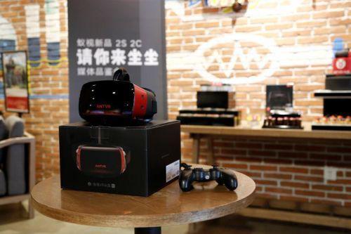 十一长假出门不如在家玩VR 四款主流VR设备推荐