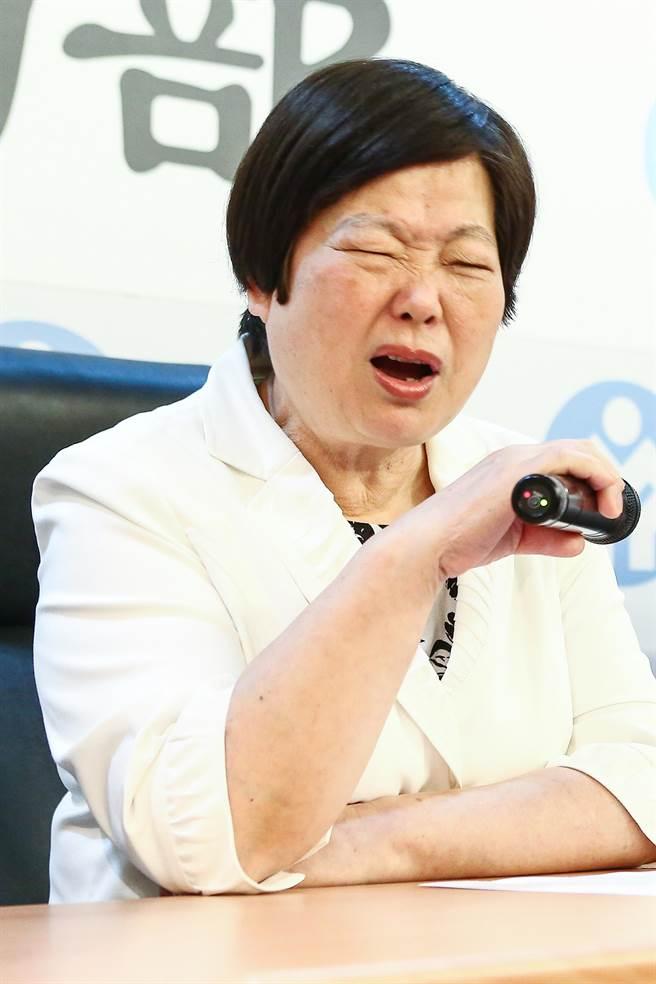 """蔡英文表姐不满被叫""""神隐部长"""" 网友酸:明明就是薪水小偷"""
