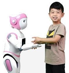 """移动式人形机器人iPal 担当小朋友的""""好家教"""""""