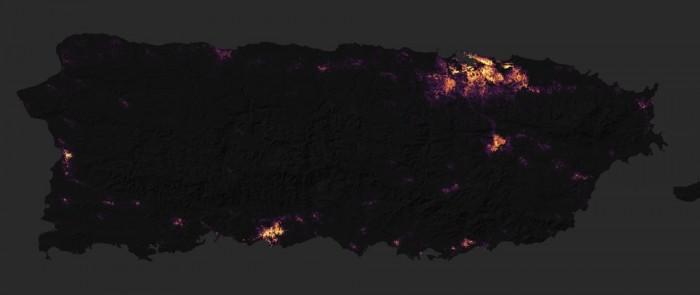 波多黎各在遭受飓风玛利亚前后 电力夜景图对比