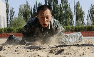 """侦察尖兵教你如何""""玩沙子"""""""
