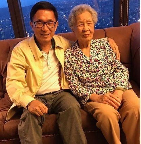 """距""""双十节""""还剩五天 台法务部门:仍未接到陈水扁出席申请"""