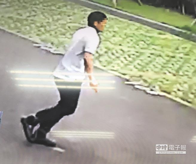 台湾新竹法院在押犯逃脱 持刀作势自刎灭火器砸窗