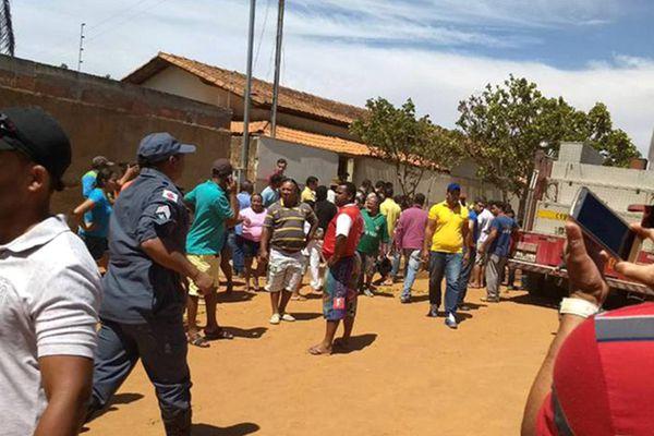 巴西幼儿园保安向师生泼汽油点火 4名幼童丧命