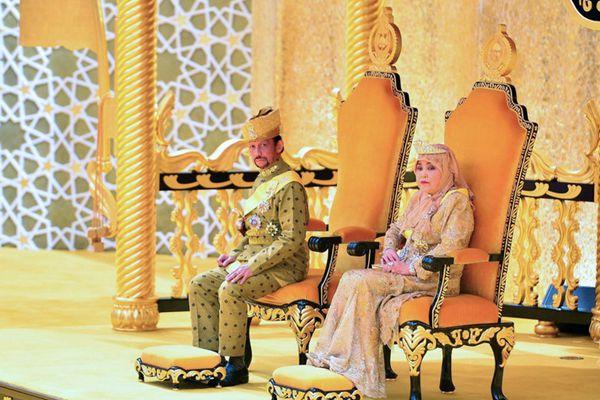 文莱举行大规模庆典 庆祝苏丹哈桑纳尔登基50周年