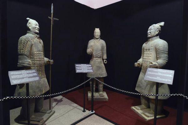 捷克博物馆展出复制版秦皇兵马俑