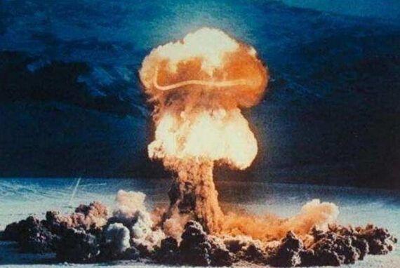绿营名嘴吹嘘7天造出核弹 台专家怒批:在裤裆里试爆?