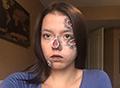 19岁女孩病中自学特效化妆 画面逼真血腥