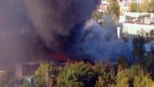 俄罗斯莫斯科一市场突发大火超3000人被疏散