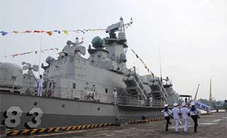 越海军庆祝推迟1年2导弹快艇入役