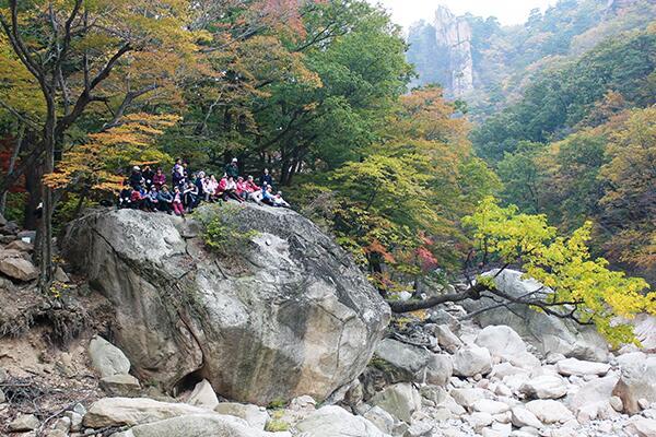 韩国枫叶季节到来 登山前需注意三点