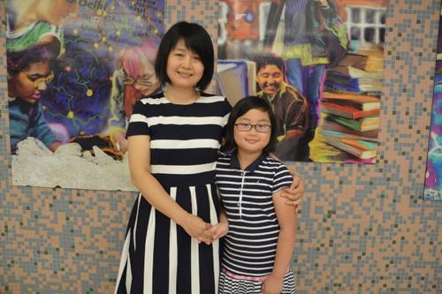 美国华裔家长送子女学中文:记住自己的根不忘本