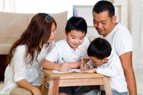亚裔父母育儿理念存差异 看重子女成绩