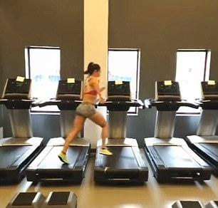 美运动达人为参加比赛同时在7台跑步机上锻炼