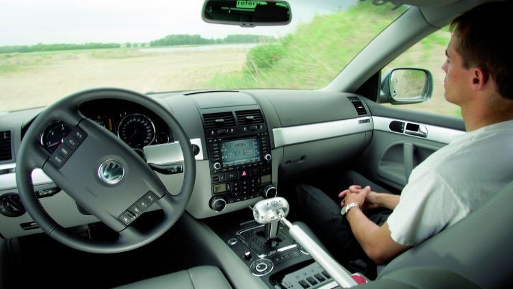 加州放宽规定:明年无人驾驶车没司机也能上高速