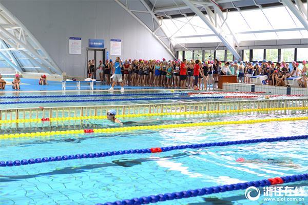 不会游泳不能毕业高校:杭州也有一所 已实行11年